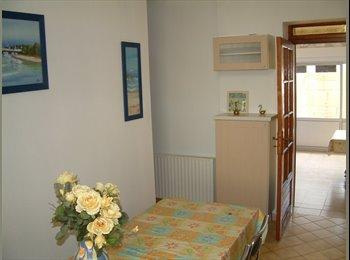 Appartager FR - Proche du centre/facultés, La Rochelle - 400 € /Mois