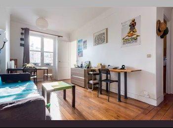 Appartager FR - Colocation (canapé-lit) dans 2pièces - Paris 17, 17ème Arrondissement - 350 € /Mois