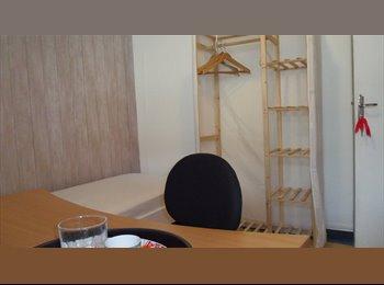 Appartager FR - chambre meublée UBS, IUT, Lycée Colbert, Lorient - 315 € /Mois