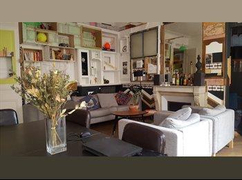 Appartager FR - COLOC 6 PERS HOTEL DE VILLE (looking for a GIRL), Paris - Ile De France - 885 € /Mois