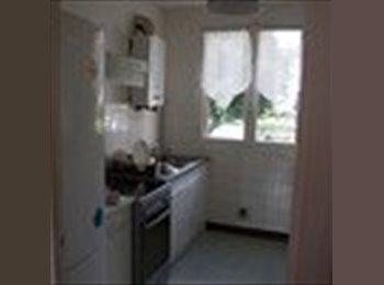 Appartager FR - 1 chambre dans appartement T4 proche UTC, Compiègne - 410 € /Mois