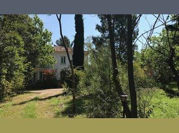 Appartager FR - Perpignan proche de l'université, chambres colocations et studios meublés dans un parc, Perpignan - 335 € /Mois