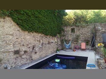 Appartager FR - Coloc dans une belle maison, La Voulte-sur-Rhône - 300 € /Mois