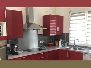 Appartager FR - chambre avec salle d'eau privatives, Toulouse - 500 € /Mois
