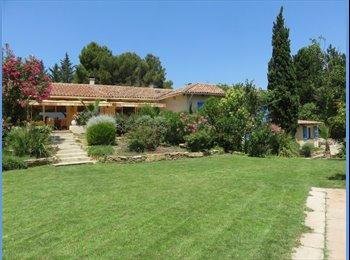 Appartager FR - Chambres independantes dans une villa, Aix-en-Provence - 500 € /Mois
