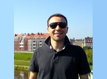 Appartager FR - Piotr - 36 - 17ème Arrondissement