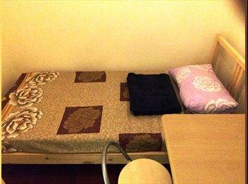 EasyRoommate HK - Central Room, Central - HKD7,300 pcm