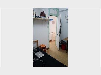 EasyRoommate HK - Inexpensive furnished room in Jordan, Jordan - HKD5,600 pcm