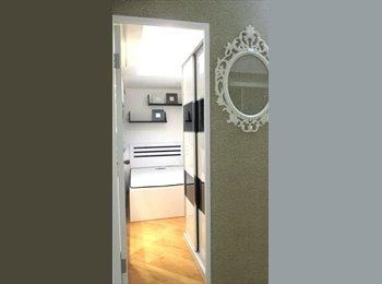 EasyRoommate HK - Cozy Double bedroom in Wan Chai Flatshare, Wan Chai - HKD7,400 pcm
