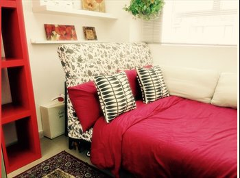 EasyRoommate HK - Large, plush room in the heart of Sheung Wan., Sheung Wan - HKD9,900 pcm
