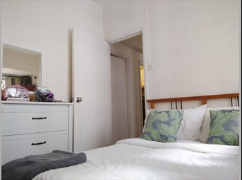 EasyRoommate HK - Double Room on Caine Rd. Central , Central - HKD11,000 pcm