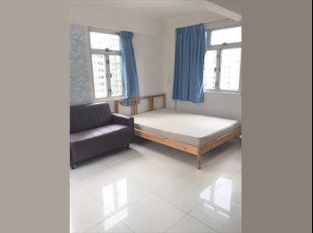 EasyRoommate HK - Studio With semi furnished in Sai Ying Pun With Lift , Sai Ying Pun - HKD12,000 pcm