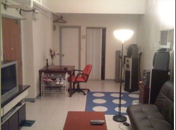 EasyRoommate HK - (Central) Furnished Apt perfect for bachelors, musicians & party types. off Queens Rd. opposite Zara, Central - HKD9,988 pcm