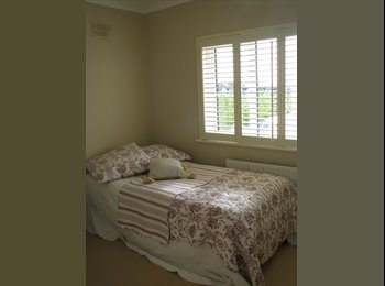 EasyRoommate IE - attractive house shared, Galway - €500 pcm