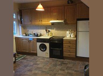 EasyRoommate IE - Double Room in nice home , Sligo - €295 pcm