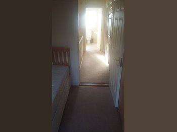 EasyRoommate IE - single room, Cork - €400 pcm