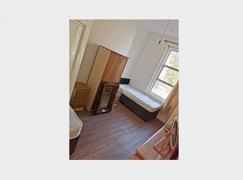 EasyRoommate IE - twin room in city center, Dublin - €1,100 pcm