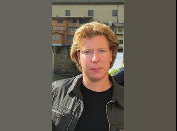 EasyRoommate IE - Lorenzo Frau - 27 - Cork