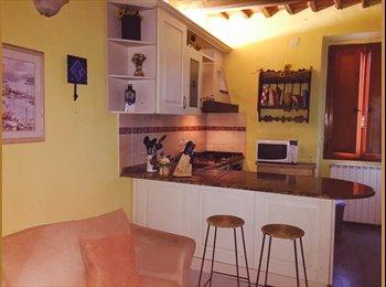 EasyStanza IT - Camera Centro Storico Pistoia, Pistoia - € 350 al mese