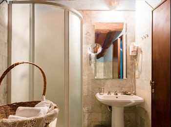 EasyStanza IT - appartamento arredato  a 2  km da mura di Lucca, Lunata - € 600 al mese