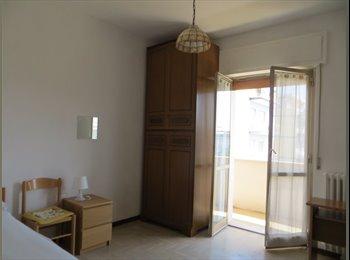 EasyStanza IT - Pescara, Via D'Avalos , affittasi due camere , Pescara - € 210 al mese