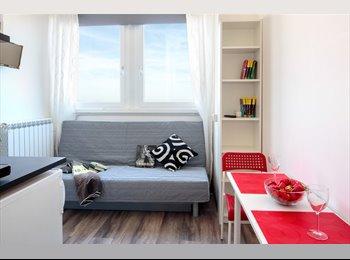 EasyStanza IT - STANZA CON ARREDI MODERNI E  BAGNO PRIVATO , Rimini - € 320 al mese