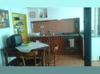 EasyStanza IT - mansarda centrale , Torino - € 600 al mese