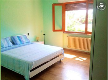 EasyStanza IT - condivisione casa con zona notte indipendente al piano superiore, Quarrata - € 400 al mese