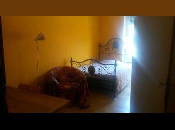 EasyStanza IT - Bella stanza singola nel cuore di Vanchiglia, Torino - € 380 al mese
