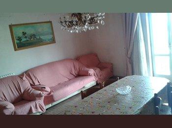 EasyStanza IT - Ampia stanza luminosa con terrazzo per studenti/lavoratori, San Cesareo - € 250 al mese