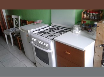 EasyStanza IT - affitto camera singola o doppia, Aventino-S.Saba - € 500 al mese