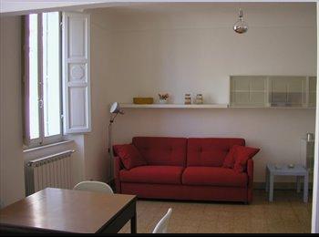 EasyStanza IT - Appartamento in centro storico, Siena - € 350 al mese