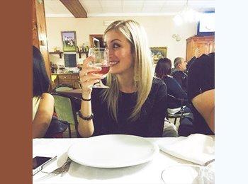 EasyStanza IT - Francesca - 23 - Mogliano Veneto