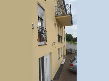 Appartager LU - GERMANY, ROOM +PRIVATE BATH TO LET IN A VILLA OVERLOOKING THE MOSELLE, Luxembourg - 550 € / Mois