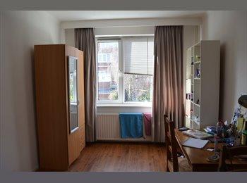 EasyKamer NL - Room close to Den Haag laan v NOI, Den Haag - € 410 p.m.