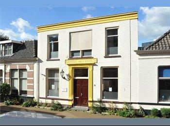EasyKamer NL - Te huur gemeubileerde kamers centrum Almelo €425,- All-in. , Almelo - € 425 p.m.