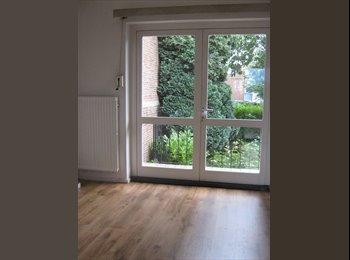 EasyKamer NL - Mooie, lichte kamer met eigen balkon Eur 325, All-In, Heerlen - € 325 p.m.