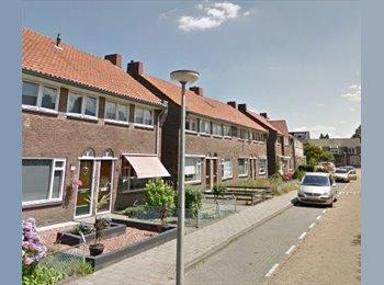 EasyKamer NL - Te huur kamer 11m2 in Enschede €298,- per maand, Enschede - € 298 p.m.