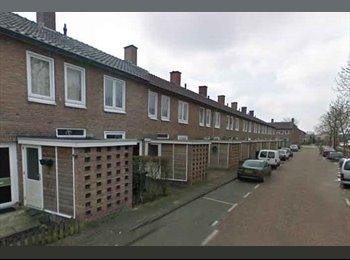 EasyKamer NL - Te huur ruim gemeubileerde kamer in Enschede €425,- All-in , Enschede - € 425 p.m.