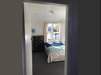 NZ - **3 Rooms To Rent In Sockburn! Modern House With Central Heating**, Christchurch - $150 pw