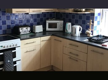 EasyRoommate UK - DOUBLE & LARGE DOUBLE ROOMS, Dudley - £320 pcm