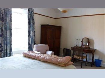 EasyRoommate UK -  Lark Lane area  Quiet house, Sefton Park - £400 pcm