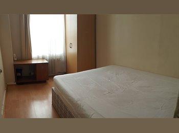 EasyRoommate UK - room to rent in borehamwwod herts wd62sr, Arkley - £480 pcm