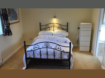 EasyRoommate UK - Double Room, Modern House, Wifi, On Road Parking, Bedford - £495 pcm