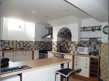 EasyRoommate UK - Fast Wifi,Cleaner,Fantastic Location Town Centre, Cliftonville - £500 pcm