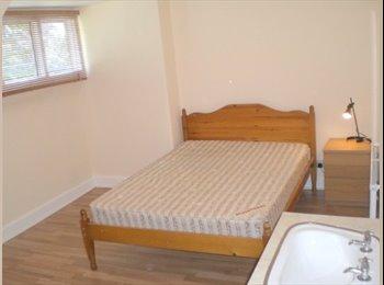 EasyRoommate UK - Good Sized Double Room Didsbury Village, Didsbury - £399 pcm