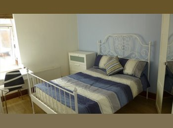 EasyRoommate UK - Large double rooms on Poplar Avenue, Beech Lanes - £395 pcm
