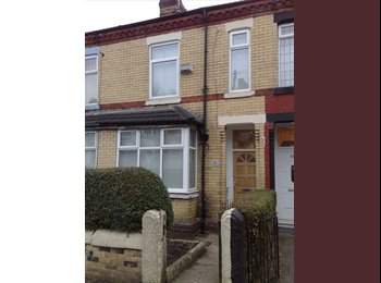 EasyRoommate UK - DOUBLE Bedroom, Manchester M8 4QZ, Crumpsall - £360 pcm