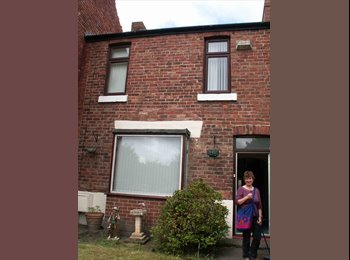 EasyRoommate UK - Three bedroom house (2doubles one single), Durham - £400 pcm