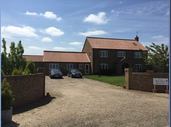 EasyRoommate UK - LARGE ROOM TO LET , OFF ROAD PARKING, AVAILABLE NOW, Boston - £350 pcm